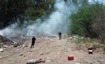 Salida de Bomberos Voluntarios de Pirovano por incendio