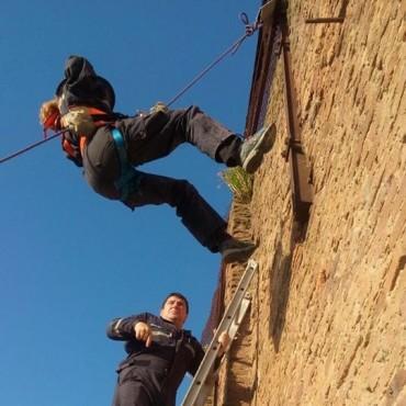 El Cuerpo Activo de Bomberos Voluntarios de Pirovano participó de capacitación de rescate en cuerdas