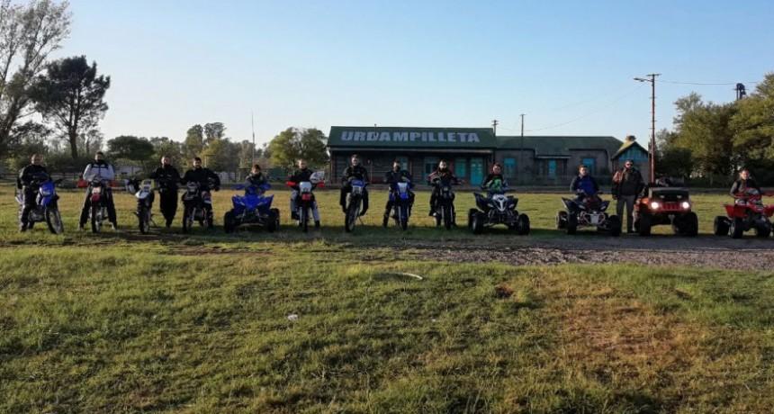 Un grupo de amigos partió esta mañana en aventura en motos y cuatris rumbo a Carhue