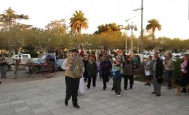 Gran cantidad de fieles de Nuestra Señora de Luján realizaron la procesión por las calles de la localidad