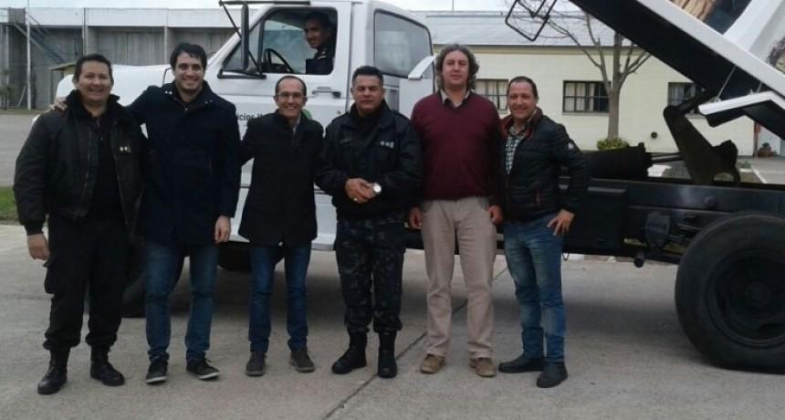 Internos de la Unidad 17 reacondicionaron un camión de servicios para uso de la delegación