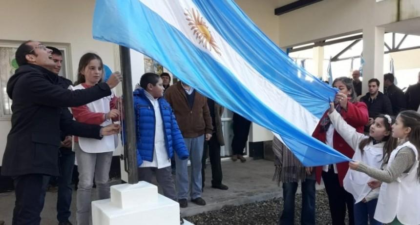 El acto por el día de la bandera, se realizó en la Escuela N°46 'Antartida Argentina'