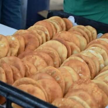 Tortas fritas para compartir con amigos este domingo en el Centro Cívico