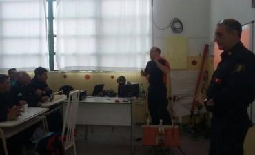 Bomberos Voluntarios: Incendio de banquinas frente a Estancia 'La Celina'