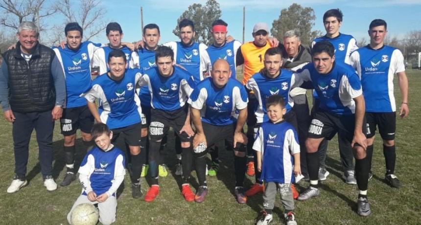 Futbol Rural: Gran actuación de Agrario frente a La 14 logrando triunfo en las 2 divisiones. Veterano le gano a Unión es Fuerza en la 1º.