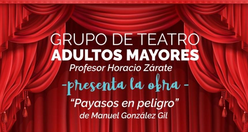 El grupo de Teatro de Adultos Mayores presenta una obra en escuelas de Urdampilleta