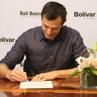 El intendente Bucca firmó la ordenanza para la construcción de 104 viviendas