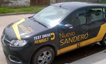Renault visitó la localidad con novedades y promos