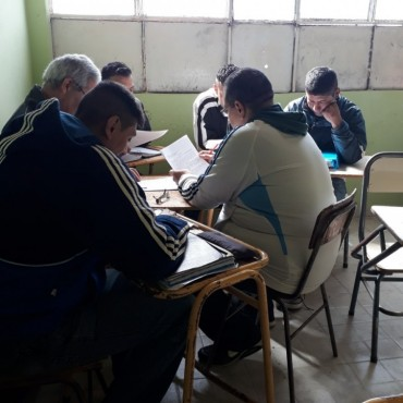 Presentación de Sociales en Acción en la Unidad Nº2
