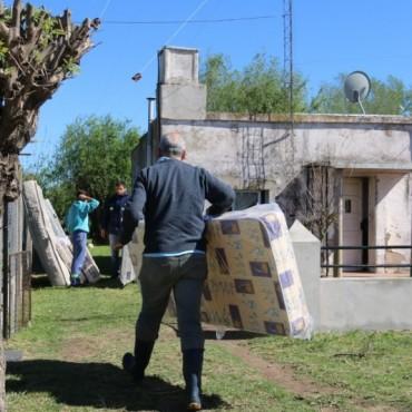 El equipo municipal continuó brindando asistencia a los vecinos de Pirovano