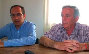 Marcos Pisano y Oscar Asín, atendieron a los medios para informar las acciones giradas en torno en tornado que se abatió en las localidades
