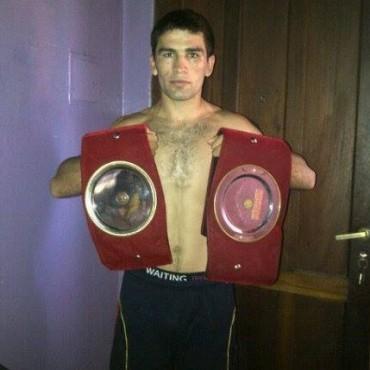 Boxeo en Urdampilleta: Federico Coronel a un paso del profesionalismo