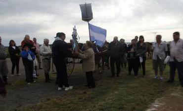 Se realizó la peregrinación a la 'Virgen de Luján', ubicada en el acceso a la localidad