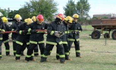 Incendio de un rastrojo en un campo cercano a Urdampilleta