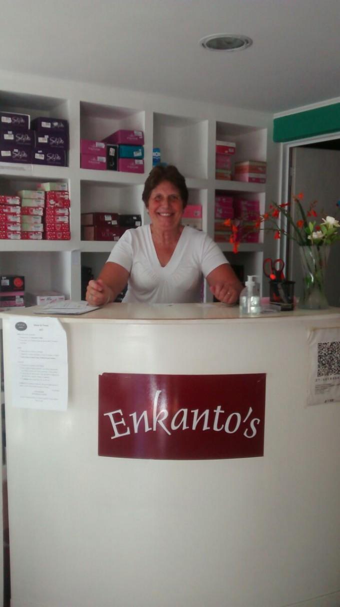 """Ada Echave, propietaria de """"Enkanto's"""": """"Yo siempre digo que el negocio existe porque existen los clientes""""."""