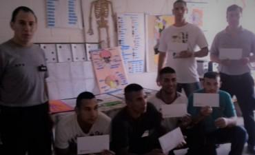 Internos de la Unidad Penitenciaria N°17 de Urdampilleta realizaron traducciones de libros al sistema braille y los materiales fueron donados