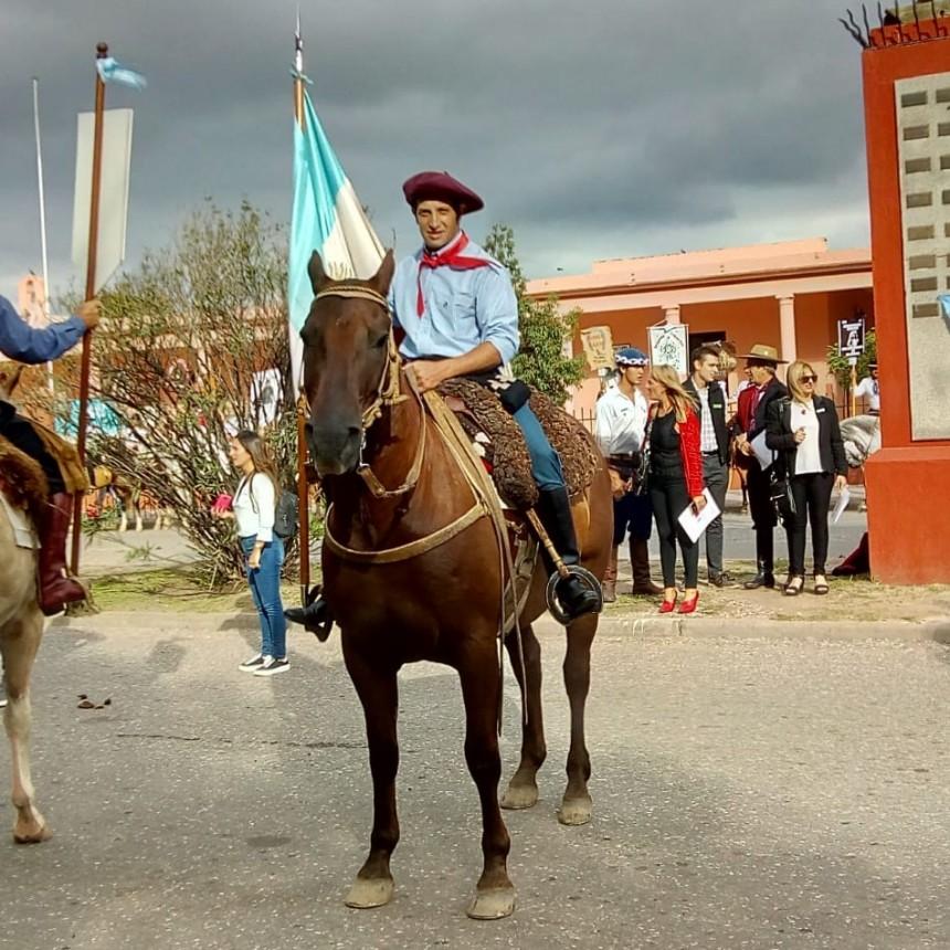 Maxi Bazán participa nuevamente en el espectáculo de jineteadas de Jesús María