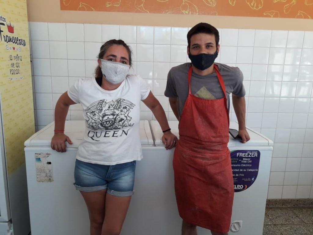 """Mónica Tejero de Pinedo (Pollajeria La Sorpresa): """"Fue un año muy difícil, pero estamos firmes, trabajando cuidándonos y cuidando al cliente"""