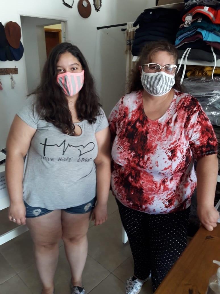 Sandra y Milagros, de Alpargatas Urdampilleta anuncian sus novedades de temporada