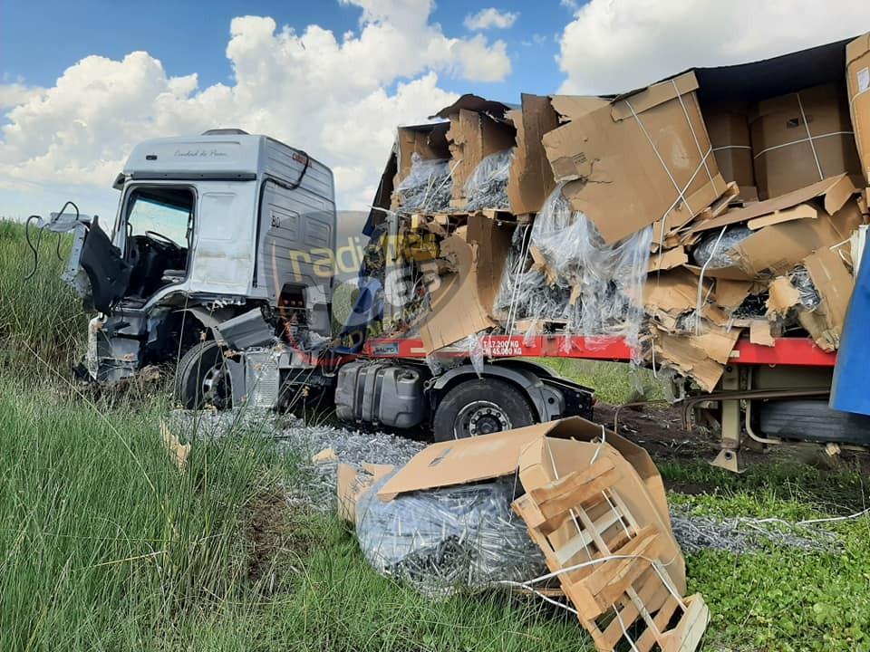 Ruta 65: Impactaron dos camiones y una fumigadora