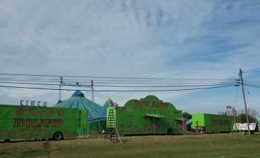 Viernes 24: Gran estreno del 'Circo Roland' en Urdampilleta