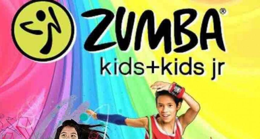 Llega la Zumba Kids en pantalla gigante al Punto Digital Urdampilleta