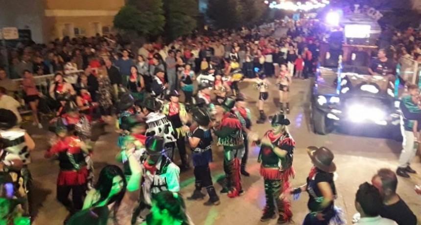 Colores, música y diversión colmaron las noches de Carnaval en Pirovano