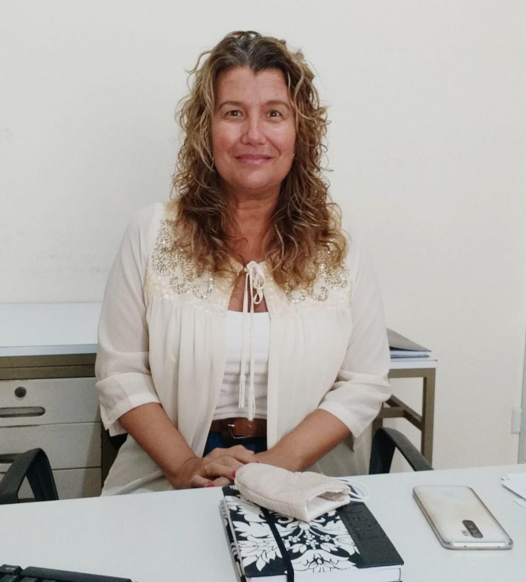 """Lorena Urrutia: """"Mi trayectoria laboral siempre estuvo muy vinculada a los Adultos Mayores"""""""