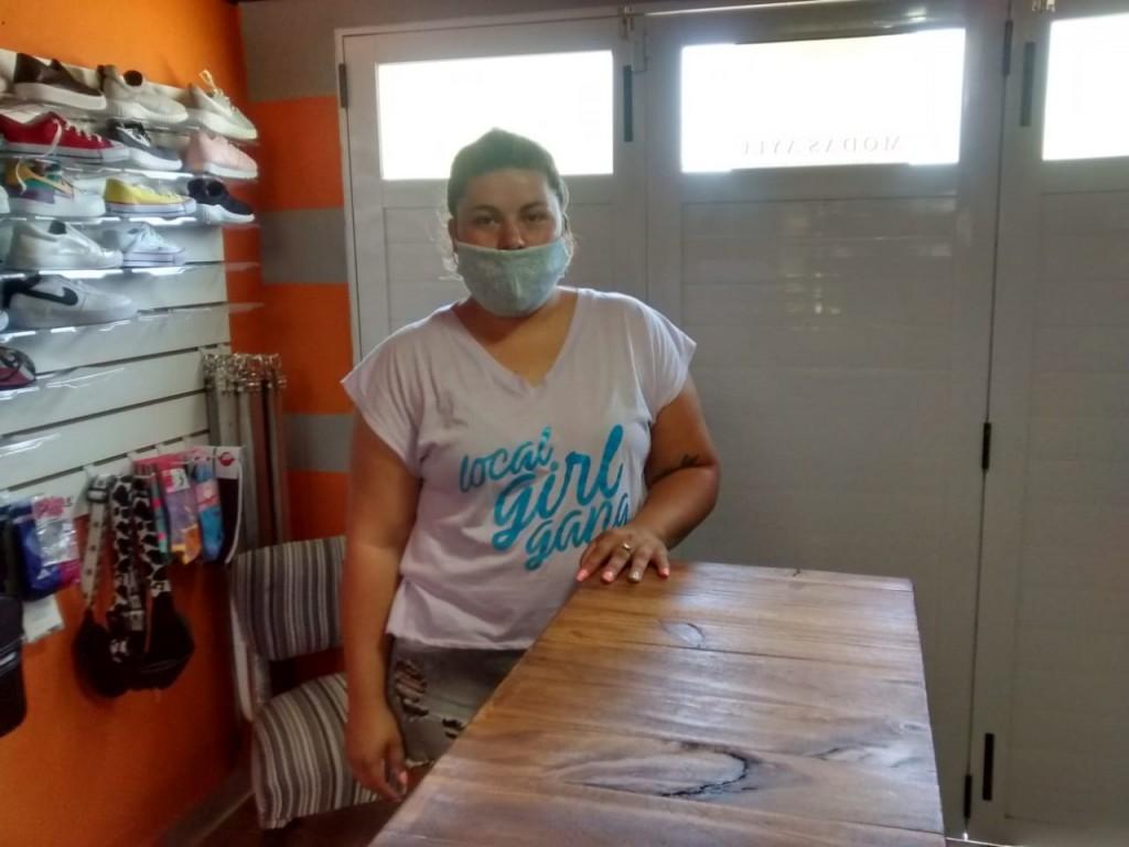 """Leticia Gonzalez (Modas Aylu): """"Este emprendimiento nació hace 4 años vendiendo calzado en mi casa"""""""