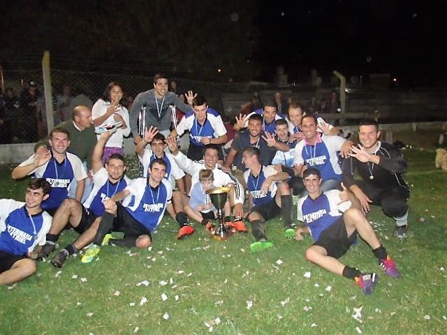 'Taller El Pichi' campeón del Torneo de Fútbol Nocturno de la EP N° 54