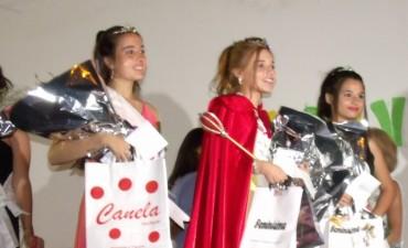 Con excelente presencia de público se desarrollaron los carnavales y Brisa Miranda fue coronada  Reina 2017