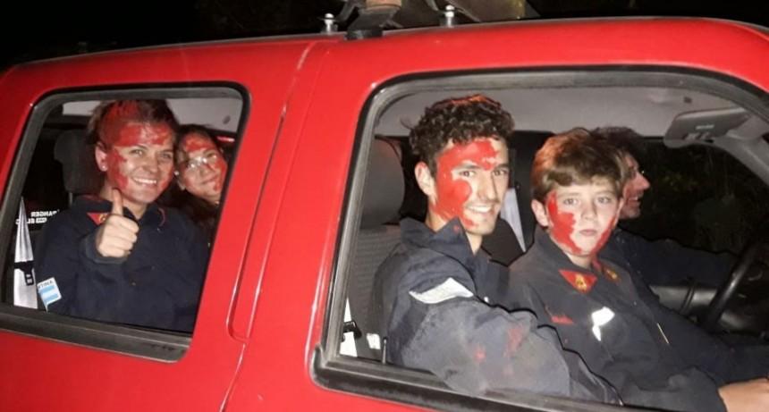 Los bomberos de la localidad realizaron una capacitación sobre rescate vehicular