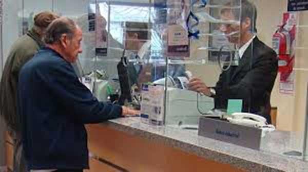 Los bancos abrirían desde el viernes para el pago de jubilados y AUH