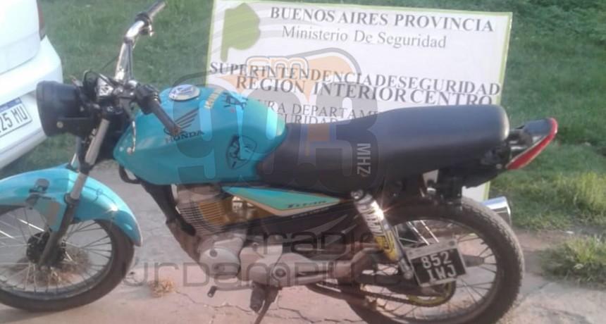 Trabajo policial; se procedió al secuestro de un motovehículo por circular sin documentación