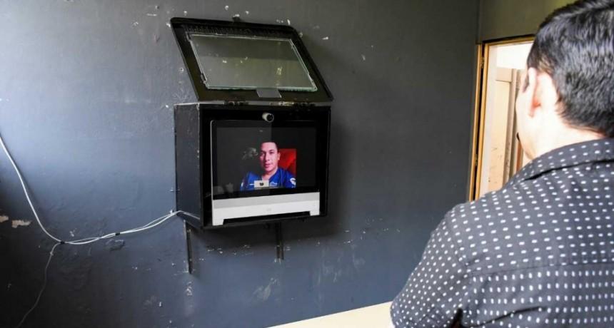 Ponen en funcionamiento un sistema de videoconferencias para vincular a privados de libertad con sus familiares