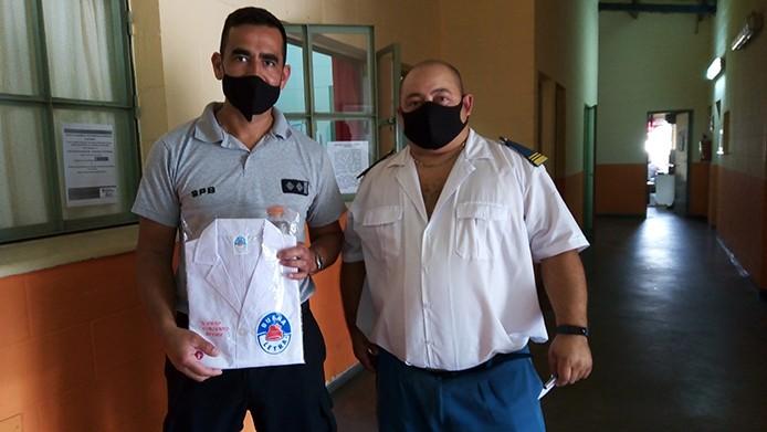 U17: Entrega de guardapolvos para hijos de agentes penitenciarios