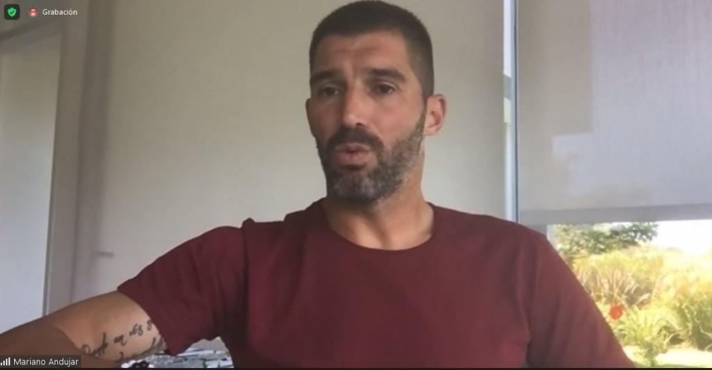 """""""Historias de vidas deportivas"""": El arquero Mariano Andújar participó de una charla motivacional con privados de libertad de 20 cárceles bonaerenses"""