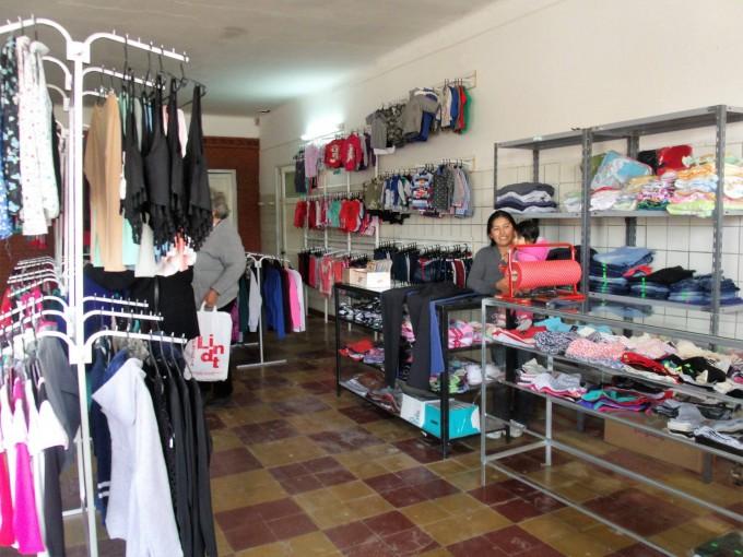 Modas 'C y L' abrió sus puertas en Urdampilleta