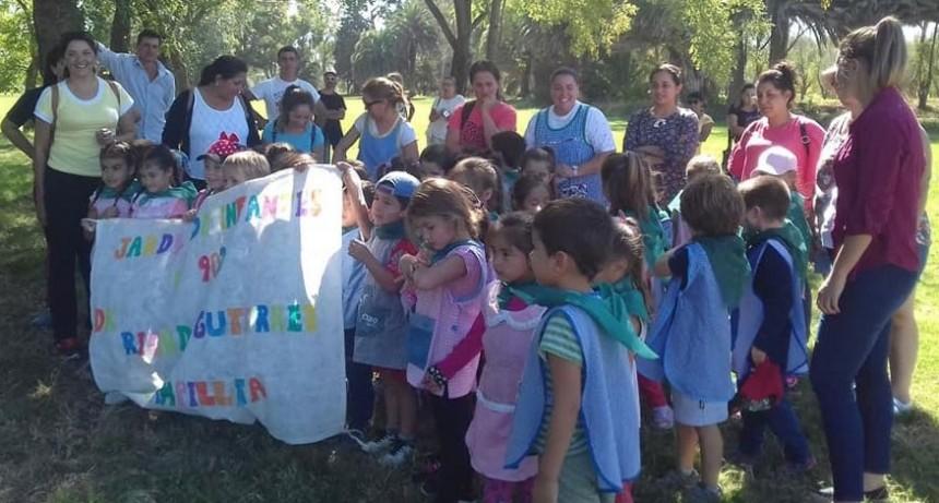 El jardín de infantes N.º 902 Ricardo Gutiérrez participó de una jornada deportiva en Bolívar