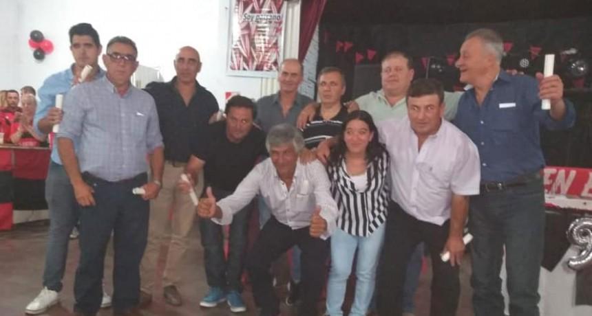 El Club Atlético homenajeo a los campeones del 86 en su cena aniversario