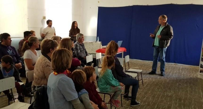 El Dr. Jose María Maluendez brindó una charla sobre Zoonosis y Hanta Virus en Ibarra