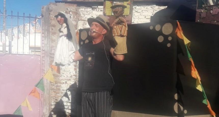 Multiespacio Pueblo Chico recibió a Hernán Cosma y su show de títeres