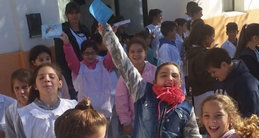 Día mundial del libro, niños de Pirovano lanzaron la inquietud de crear una biblioteca popular en la localidad