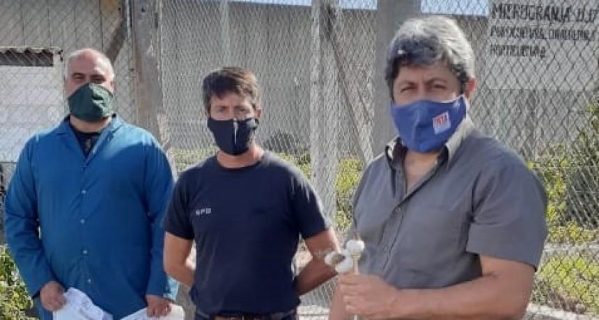 La Agencia INTA Bolívar entregó semillas de estación destinadas a la producción interna de la Unidad 17 del Servicio Penitenciario Bonaerense, ubicada en la localidad de Urdampilleta