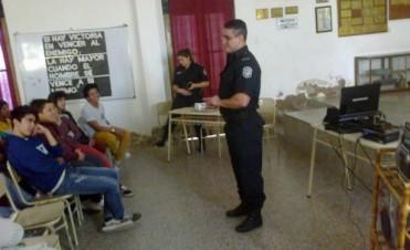 Se realizó una charla sobre prevención de delitos en internet