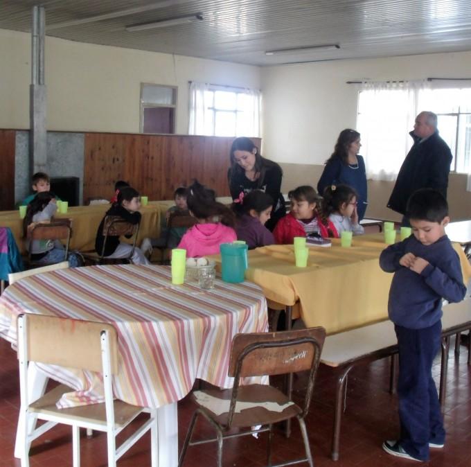 Radio Urdampilleta y la Delegación Municipal, entregaron escarapelas