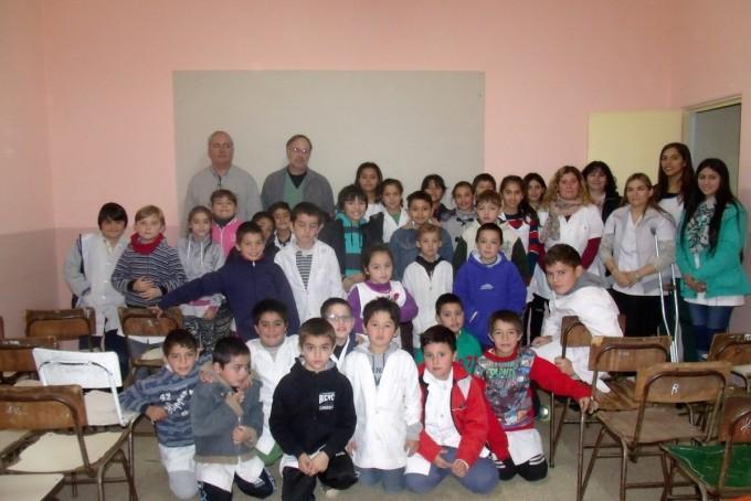 Delegación y Dr. Maluendez: Taller de reciclado en la Escuela Nº22