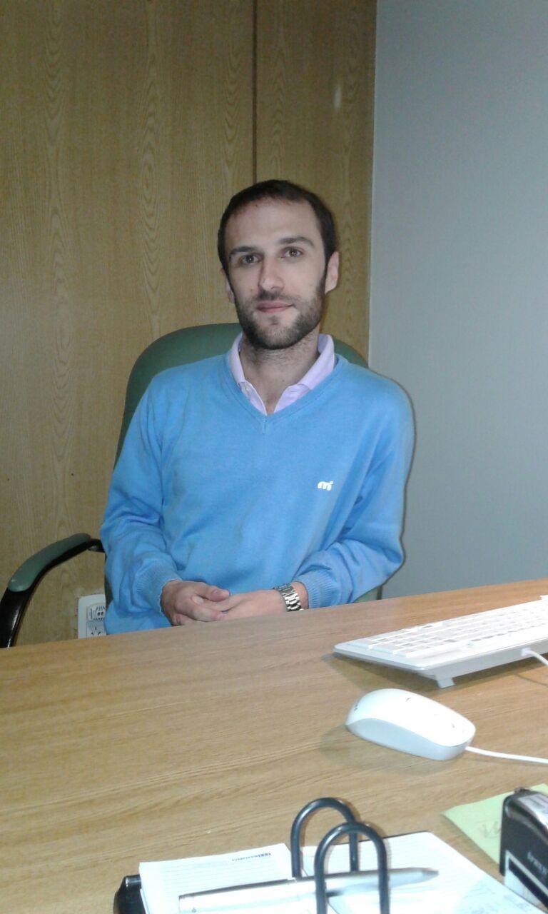 Fernando Delavault, un joven abogado que apuesta a su localidad, ofreciendo sus servicios