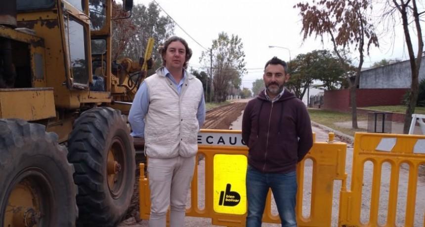 Se avanza en obras de pavimentación sobre las calles de la localidad