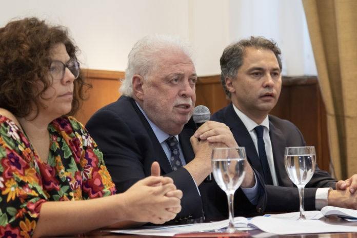 Ginés González García; 'Debemos empezar a tener actividades sociales y productivas'